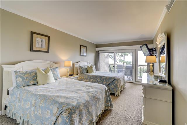 1829-Beachside-Tennis--Bedroom-2-Queen-14251-big.jpg