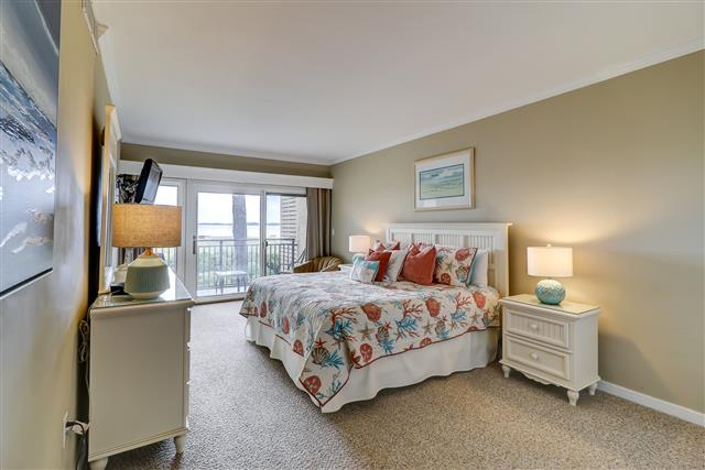 1829-Beachside-Tennis--Master-Bedroom-14250-big.jpg