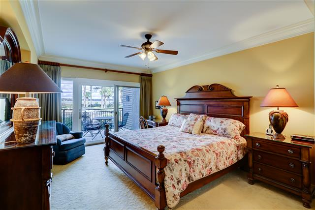 1850-Beachside-Tennis---King-Bedroom-15123-big.jpg