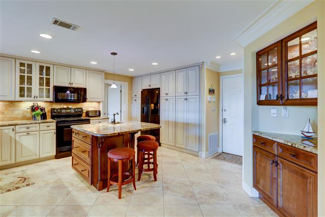 1850-Beachside-Tennis---Kitchen-15130-big.jpg