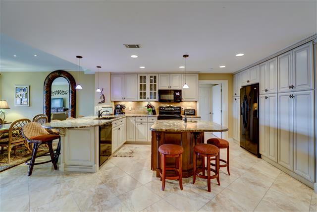 1850-Beachside-Tennis---Kitchen-15132-big.jpg