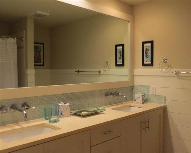 1857-Beachside-Tennis-Guest-Bathroom-13053-big.JPG