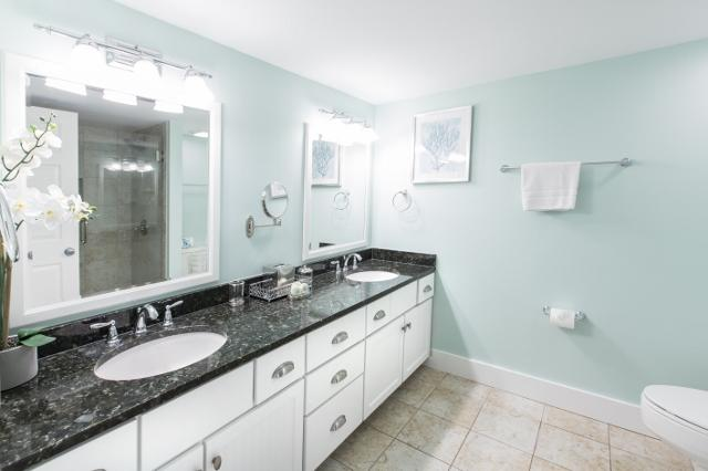 1875-Beachside-Tennis---Master-Bathroom-11911-big.jpg