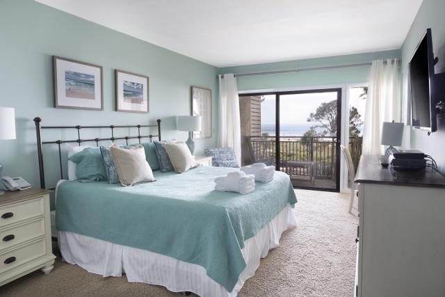 1875-Beachside-Tennis---Master-Bedroom-11909-big.jpg