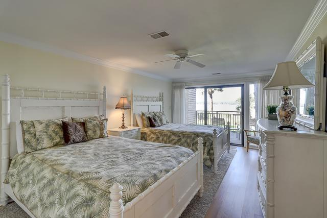 1885-Beachside-Tennis-Bedroom-2-Double-Beds-3558-big.JPG