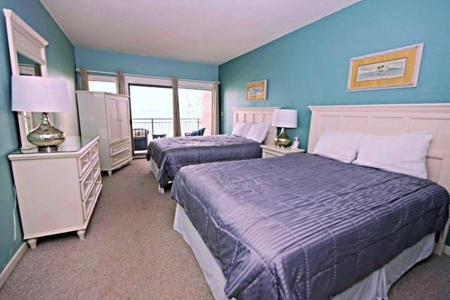 1892-Beachside-Tennis---Queen-Bedroom-9954-big.jpg