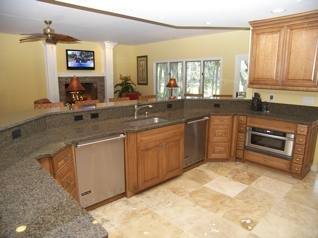 2-West-Beach-Lagoon----Kitchen-9295-big.jpg