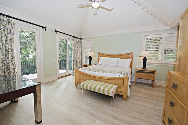 20-Oyster-Catcher---Master-Bedroom-11178-big.jpg