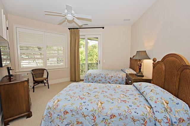 20-Oyster-Catcher---Twin-Bedroom-11188-big.jpg