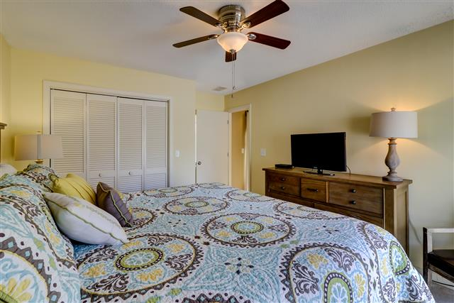 20-Ruddy-Turnstone----Master-Bedroom-15513-big.jpg