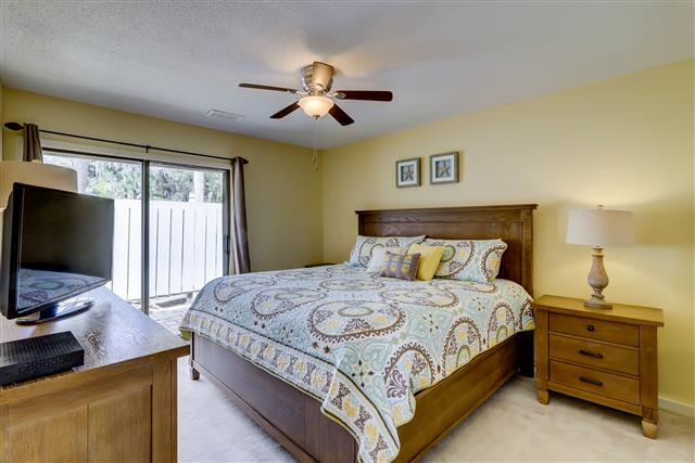 20-Ruddy-Turnstone---Master-Bedroom-15512-big.jpg