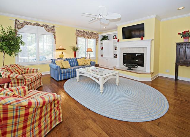 20-Windjammer-Court---Living-Room-10903-big.jpg