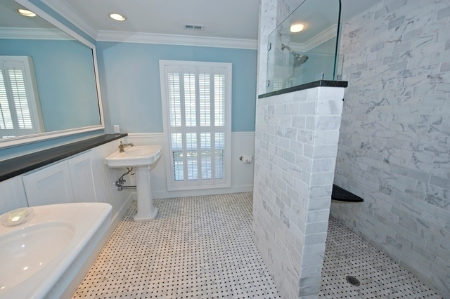 21-Wren-Drive---Master-Bathroom-5835-big.jpg