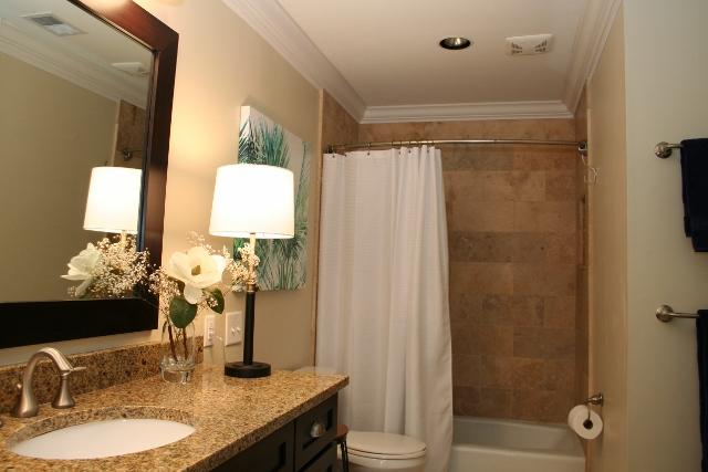 210-Twin-Oaks---Master-Bathroom-12125-big.jpg