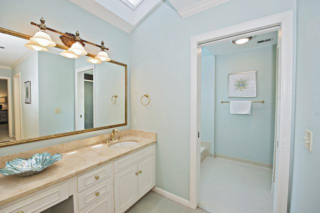 22-Harleston-Green---2nd-Master-Bathroom-10471-big.jpg