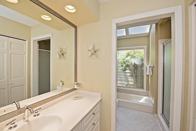 22-Harleston-Green---Master-Bathroom-10469-big.jpg