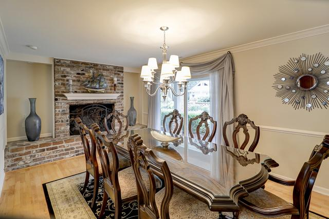 22-Woodbine-Place---Dining-Area-12434-big.JPG