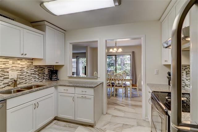 2208-Heritage-Villa-Kitchen-14204-big.jpg