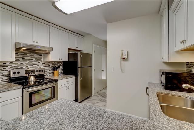 2208-Heritage-Villa-Kitchen-14205-big.jpg
