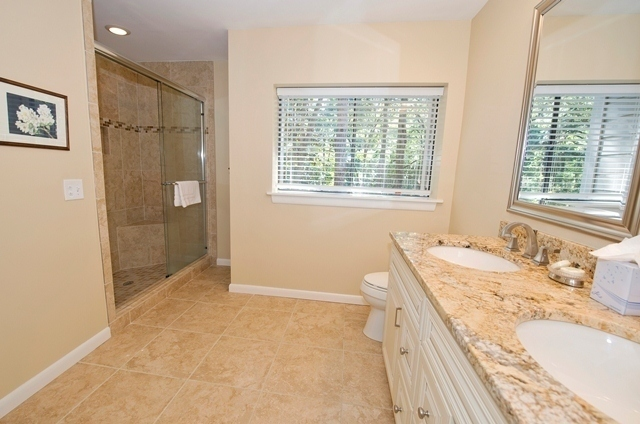 2210-Heritage-Villas---Master-Bathroom-5540-big.jpg