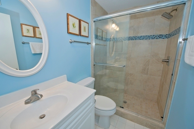 2210-Heritage-Villas---Twin-Bathroom-5541-big.jpg