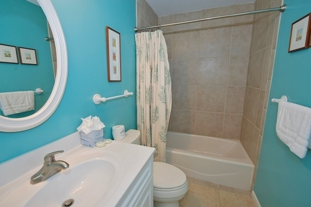 2210-Heritage-Villas---Twin-Bathroom-5542-big.jpg