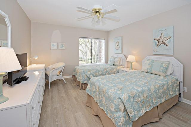 2240-Heritage-Villas---Guest-Bedroom-3682-big.jpg