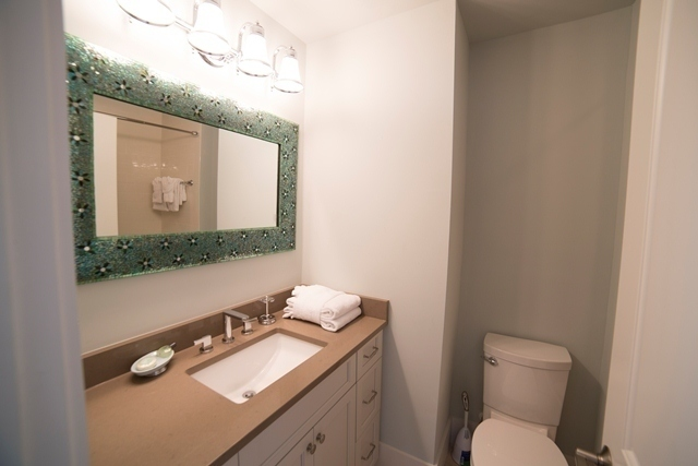 227-South-Sea-Pines-Drive---Guest-Twin-Bathroom-7305-big.jpg