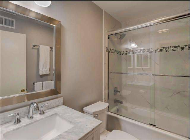 2277-Heritage-Villas---Twin-Bathroom-8044-big.JPG