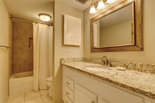 2289-Heritage-Villas---Master-Bathroom-17564-big.jpg