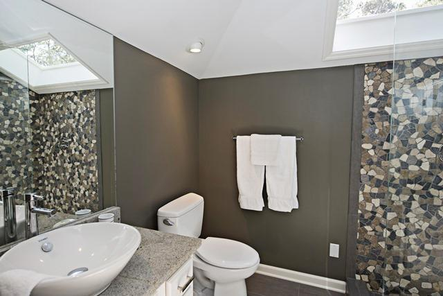 23-St.-Andrews-Place----2nd-King-Bathroom-10501-big.jpg