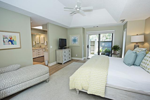 23-St.-Andrews-Place----Master-Bedroom-10496-big.jpg