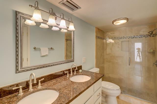 2300-Heritage-Villa---Master-Bathroom-7068-big.JPG