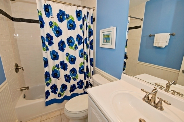 2300-Heritage-Villa-Guest-Bathroom-7071-big.jpg