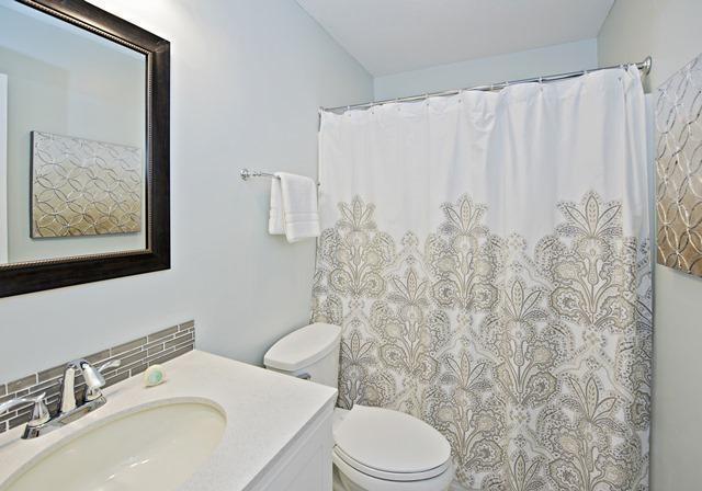 2303-Heritage-Villas---Queen-Bathroom-10320-big.jpg