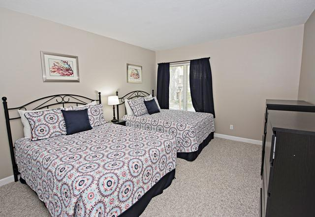 2303-Heritage-Villas---Queen-Bedroom-10319-big.jpg