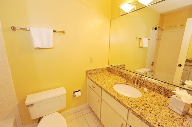 2332-Racquet-Cub-Villas-Master-Bathroom2332rc09-big.jpg
