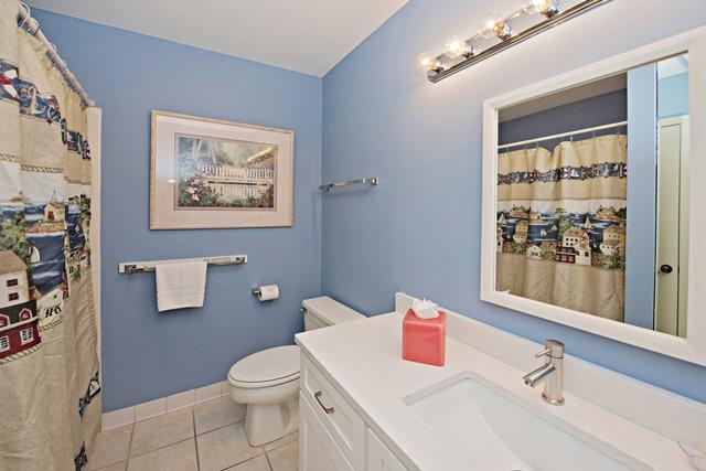 2354-Racquet-Club-Villas--King-Bathroom-3969-big.jpg
