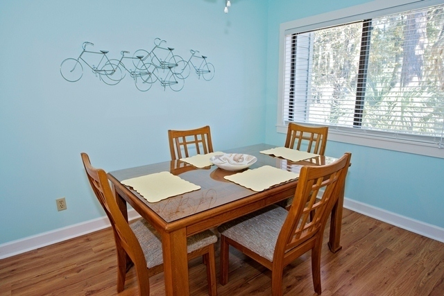 2367-Racquet-Club---Dining-Room-8865-big.jpg