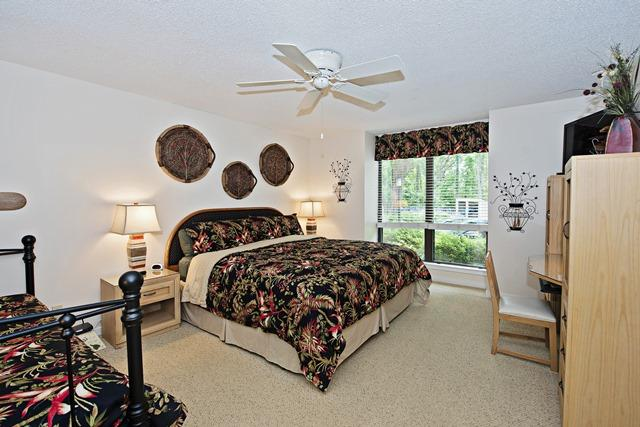 2410-Lighthouse-Tennis---Master-Bedroom-12091-big.jpg