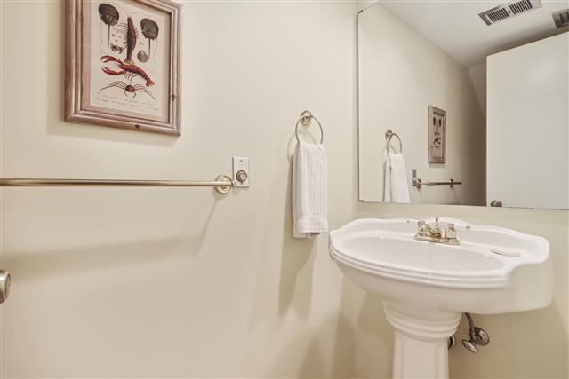 245-Stoney-Creek---Half-Bathroom-17059-big.jpg