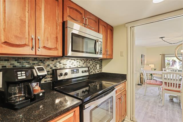 245-Stoney-Creek---Kitchen-17051-big.jpg