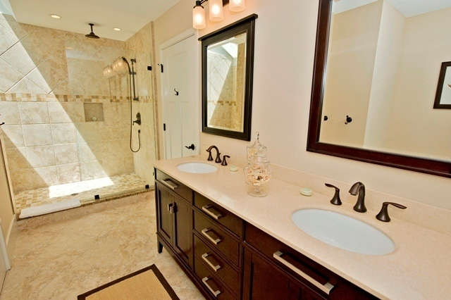 2455-Inland-Harbour--Master-Bathroom-8339-big.jpg
