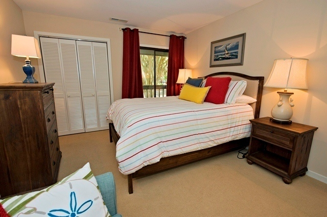 2455-Inland-Harbour--Queen-Bedroom-8340-big.jpg