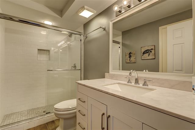 2629-Calibogue-Club---Guest-Bathroom-16717-big.JPG