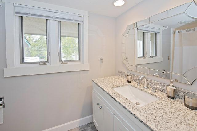 265-Stoney-Creek---2nd-King-Bathroom-11596-big.jpg