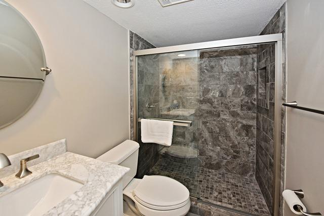 265-Stoney-Creek---King-Bathroom-11594-big.jpg