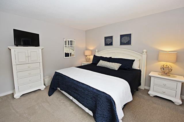 265-Stoney-Creek---King-Bedroom-11593-big.jpg