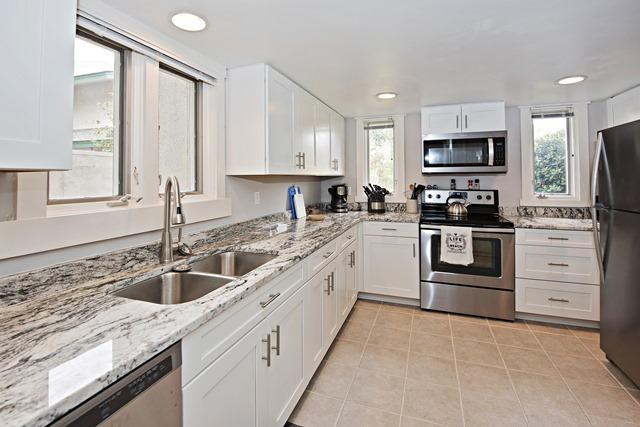 265-Stoney-Creek---Kitchen-11592-big.jpg