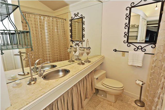 290-Stoney-Creek-Master-Bathroom290st6-big.JPG